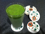 Kale Banana Nectarine Breakfast Smoothy